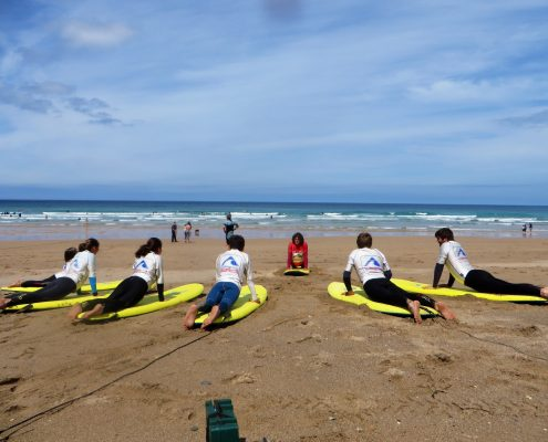 coahing beginner surf class